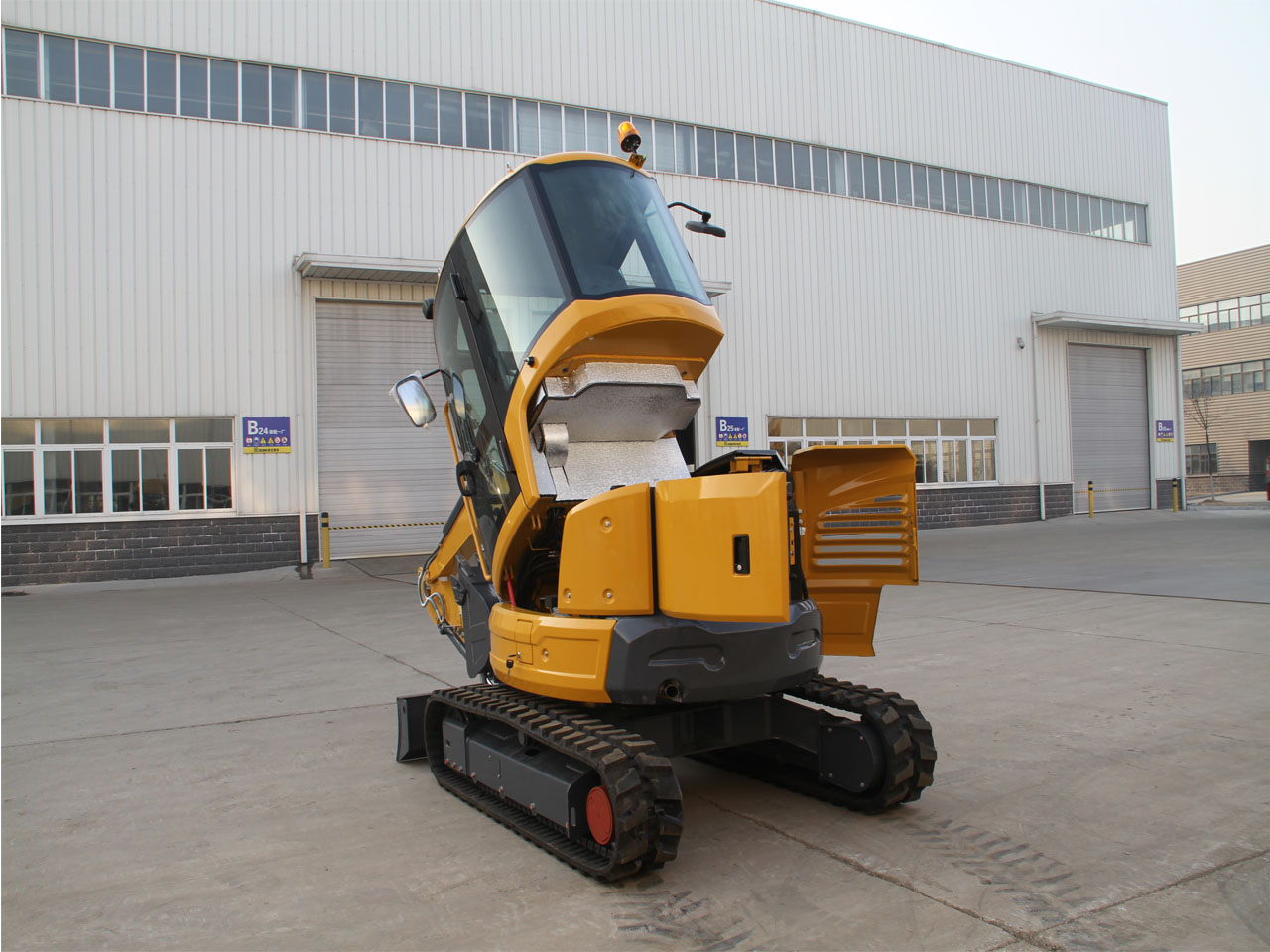 XE35U履带式液压挖掘机