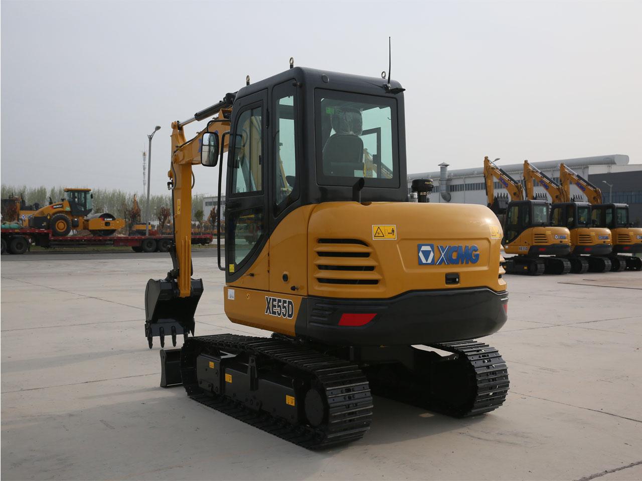XE55D履带式液压挖掘机