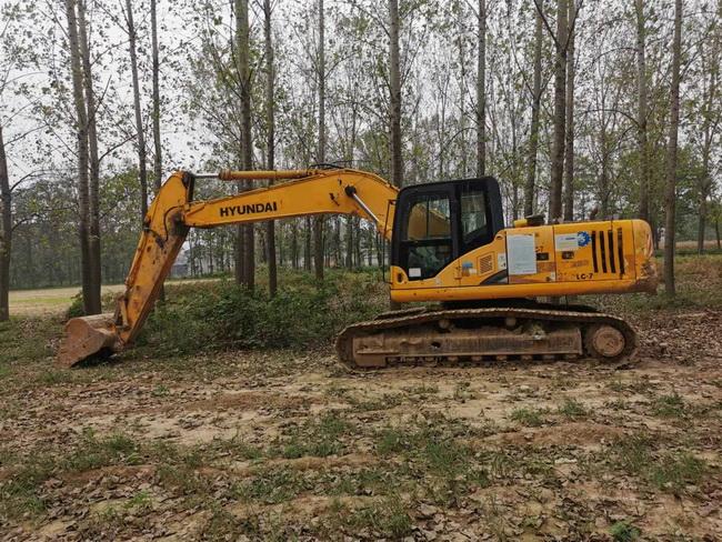二手龙工LG6235大型挖掘机