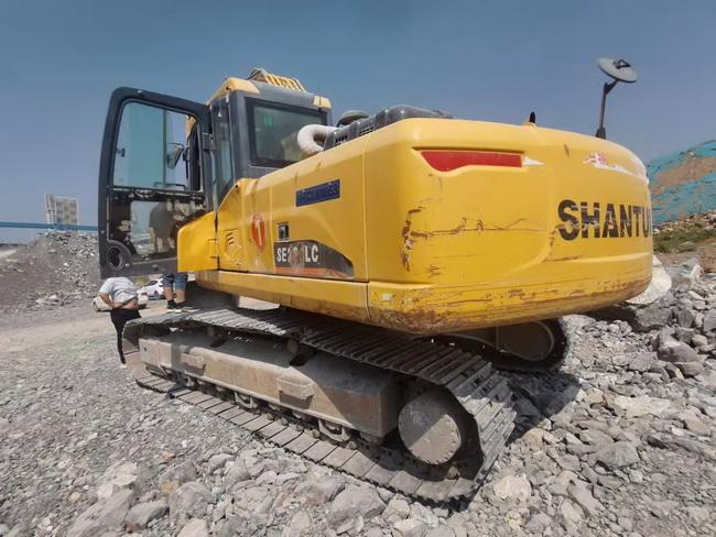 二手山推SE245LC挖掘机
